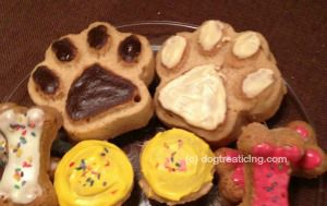 Paw print cake for dogs